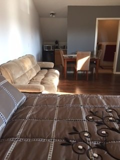 up stairs efficiency,Queen bd, pul/out sofa sleep4 - Mackinaw City vacation rentals