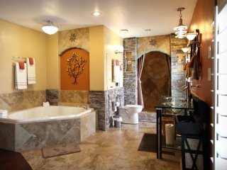 Hidden Treasure Pool Home 10 min to The Strip! - Las Vegas vacation rentals