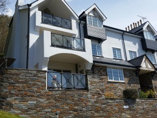 Stunning 3 bed Apt  with Pool and close to Beaches - Salcombe vacation rentals