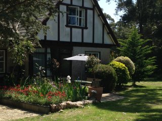 Beautiful 2 bedroom Cottage in Raymond Island - Raymond Island vacation rentals