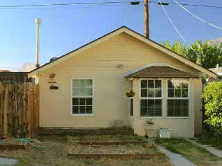 1 bedroom Cottage with Microwave in Lone Pine - Lone Pine vacation rentals