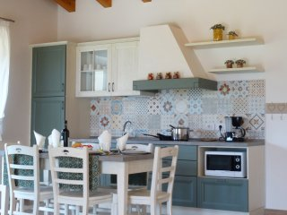 "Appartamento ""Sfioro"" - Mos Country House - Tremosine vacation rentals"