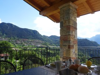 "Appartamento ""Gusto"" - Mos Country House - Tremosine vacation rentals"