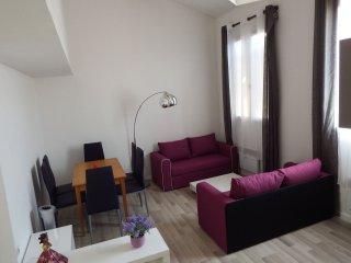 Charming renovated duplex 2 Avignon Intra-Muros - Avignon vacation rentals