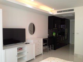 512 - studio. - Pattaya vacation rentals