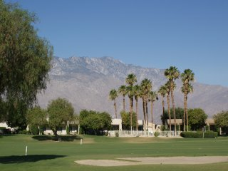 Mountain views, Sunny Patio, Clean & Comfortable - Palm Springs vacation rentals