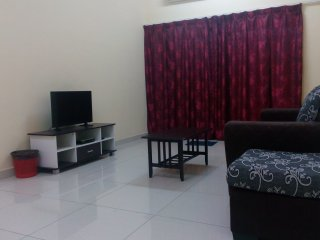 3 bedroom House with A/C in Taiping - Taiping vacation rentals