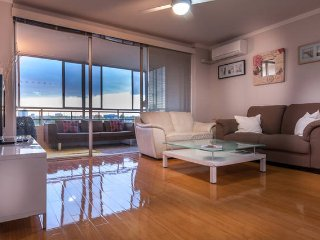 Spacious 3x1 with City Views + Balcony, sleeps 5. - Perth vacation rentals