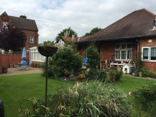 Abba Garden Cottage spacious and open plan - Peterborough vacation rentals