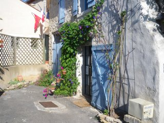 Romantic 1 bedroom Gite in Rennes-le-Chateau - Rennes-le-Chateau vacation rentals