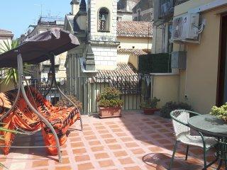 appartamento in  pieno centro storico - Paola vacation rentals