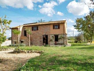 """Cascinale - Casa Vacanze - """"Il Picchio"""" - Pucciarelli vacation rentals"""