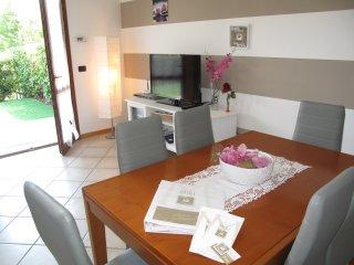 Casa Vacanza Relax al Lago da Miki 01 - Rivoltella vacation rentals