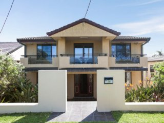 Perfect 5 bedroom Warilla House with A/C - Warilla vacation rentals