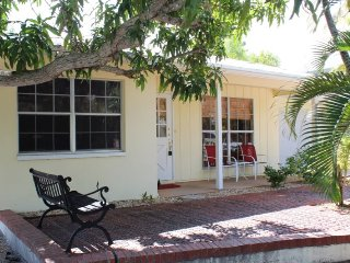 Hibiscus Cottage - Fort Myers Beach vacation rentals