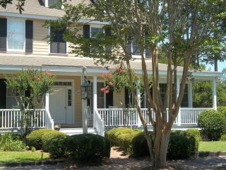 Spacious 2 BR Cottage ~ 2 Kings ~ Beach 3 miles! - Murrells Inlet vacation rentals