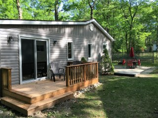 Woodland Beach Cottage - Tiny vacation rentals