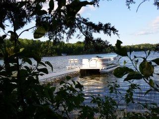 Beautiful lakefront home! boat, fishing, slps 14+ - Wautoma vacation rentals