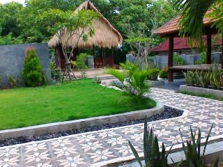 Private cottage with tropical garden & ocean view - Klungkung vacation rentals