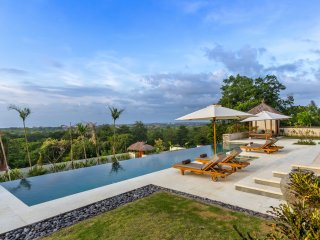Bayu, luxury 2 Bedroom Villa, magnificent ocean views, Uluwatu - Uluwatu vacation rentals