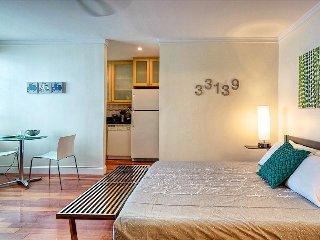Miami Beach - Quiet art deco studio w. pool enjoying a great  location... - Miami Beach vacation rentals