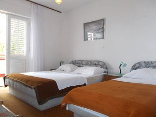 3 BEDROOM APARTMENT for 8 - ideal for group or fam - Hvar vacation rentals