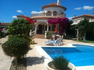 Casa Edith May - Miami Platja vacation rentals