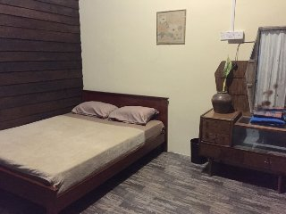 Cozy 1 bedroom Bed and Breakfast in Gopeng with Mountain Views - Gopeng vacation rentals