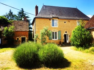 Beautiful 3 bedroom Vacation Rental in Le Mans - Le Mans vacation rentals