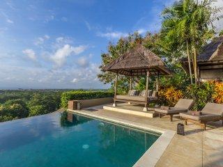 Bayu 4 Bedrooms Luxury Villa + Car + Driver, Ocean View, Uluwatu - Jimbaran vacation rentals