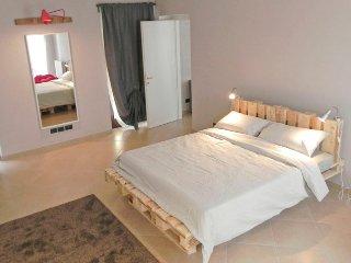 La casa di Milly, appartamento con terrazzo - Alba vacation rentals