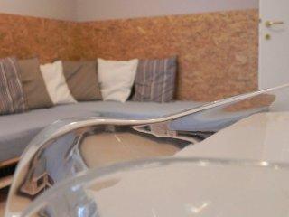 La casa di Milly, appartamento deluxe con 3 camere - Alba vacation rentals