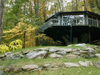 S. Berkshires Mountain Treehouse • Views • Privacy - Great Barrington vacation rentals