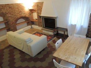 La casa di Cocca, alloggio medievale - Alba vacation rentals