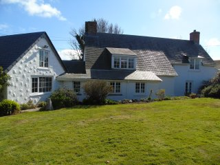 Traditional Cornish Cottage, Nr Helford River, - Manaccan vacation rentals