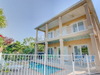 Relaxing Coastal Theme 5 bedroom 4.5 bath with Private Pool! - Miramar Beach vacation rentals