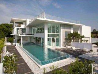 Stunning 9500sqf(883m2) Golden Beach House 7be/9ba - Golden Gate vacation rentals