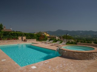 Nice Bed and Breakfast with Central Heating and Balcony - Matelica vacation rentals