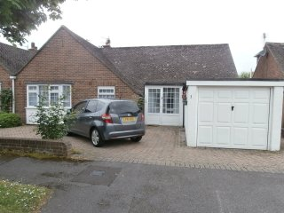 3 bed bungalow 5min walk sea/Highcliffe castleWiFi - Highcliffe vacation rentals