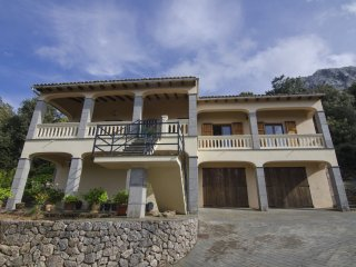 Nice Chalet with Internet Access and Washing Machine - Escorca vacation rentals