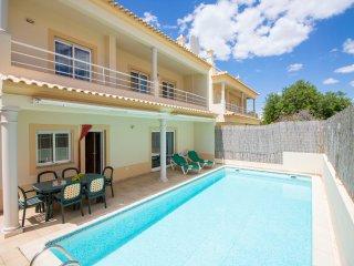 3 bedroom Villa with Internet Access in Ferreiras - Ferreiras vacation rentals