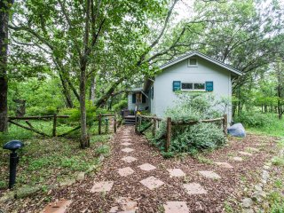Nice Cottage with Internet Access and A/C - Austin vacation rentals