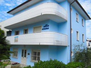"""VILLA SERENA"" casa vacanze per famiglie e gruppi - Lignano Sabbiadoro vacation rentals"