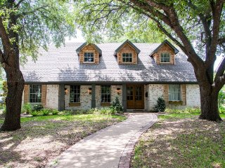 4 bedroom House with Internet Access in Waco - Waco vacation rentals