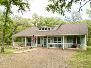Kamdens Place, Sanders Island View, Lake Texoma - Kingston vacation rentals