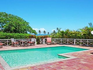 Wonderful Villa with Internet Access and A/C - Newcastle vacation rentals