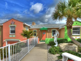 Gorgeous, Colorful 2 Bd/2Bth Beach House Directly on Ocean - Daytona Beach Shores vacation rentals