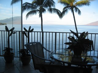 MAUi OCEANFRONT ROYAL MAUIAN, COMPARE THIS UNIT - Kihei vacation rentals