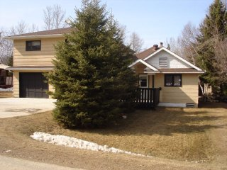 6 bedroom House with Internet Access in Kamsack - Kamsack vacation rentals