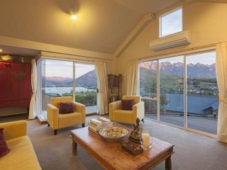 7 On The Hill - Queenstown vacation rentals